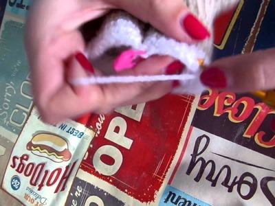 Lalylala voetjes aan elkaar haken. crocheting feet together