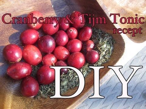 DIY Tonic met tijm en cranberries voor een vette huid met acne