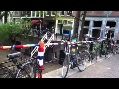 Wild knitting @Oudegracht , Utrecht 2 mei 2011
