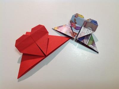 Fun: Origami  hart boekenlegger vouwen van een vierkant papier.
