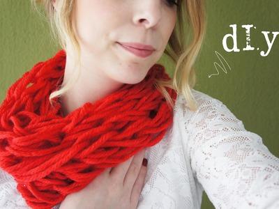DIY: Een sjaal breien met je armen!