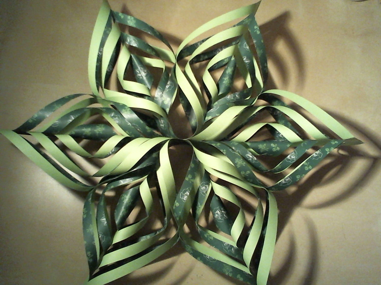 Christmas Decorations (part 4): 3D paper Snowflake. 3D papieren Sneeuwvlok