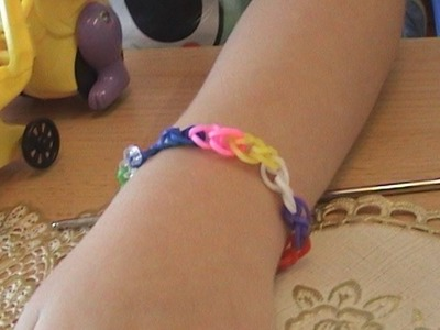 Loom bracelet with rubber bands the basics. Loom armband de basis. اساور من الستيك بالوان قوس قزح