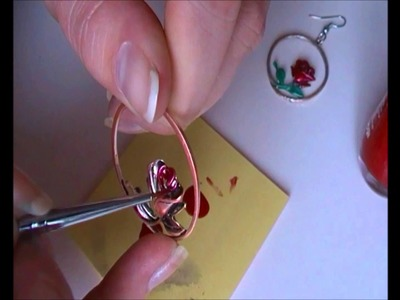 DIY oorbellen pimpen met nagellak!