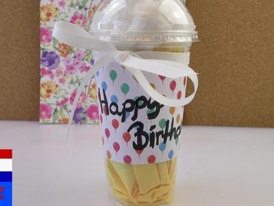 DIY Starbucks-cadeauverpakking | leuk verjaardagscadeau verpakken in koffiebeker om mee te nemen