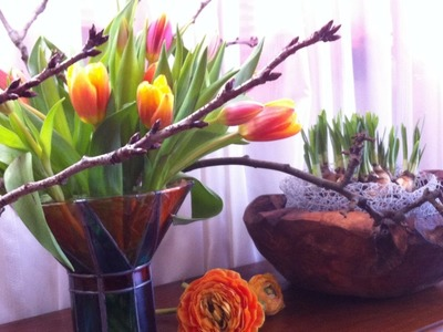 Step by step: How to make Spring Arrangements with Dutch tulips and Daffodils